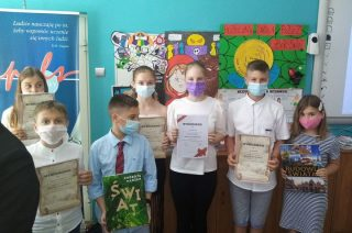 Uczniowie SP 7 laureatami powiatowych konkursów