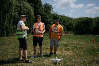 Uczniowie Budowlanki pilotują drony