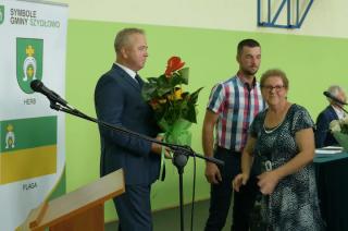 Grzegorz Rochna złożył ślubowanie i objął urząd wójta gminy Szydłowo [VIDEO]