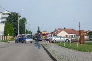 Pożar auta. Ulica Torfa Załęskiego zamknięta