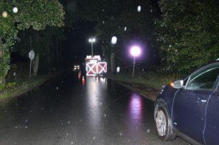 U sąsiadów. Motocyklista zginął w Dalanówku. Policja szuka świadków i ustala tożsamość mężczyzny