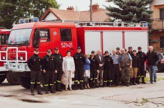 Szreńscy strażacy cieszą się z otrzymanego wozu bojowego [FOTO,FILM]
