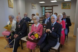 Medale za długoletnie pożycie dla czterech małżeńskich par z Mławy