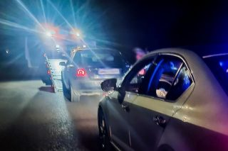 Nietrzeźwi kierowcy: kobieta z piwem w ręku w Dozinach i Koreańczyk w Mławie