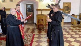 Obłóczyny i śluby zakonne w przasnyskim klasztorze pasjonistów
