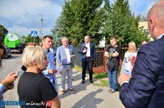 Tiry, starosta, burmistrz i mieszkańcy na Brukowej. Jest protest