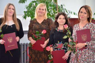 Nagrody i awanse dla nauczycieli i maturzystów